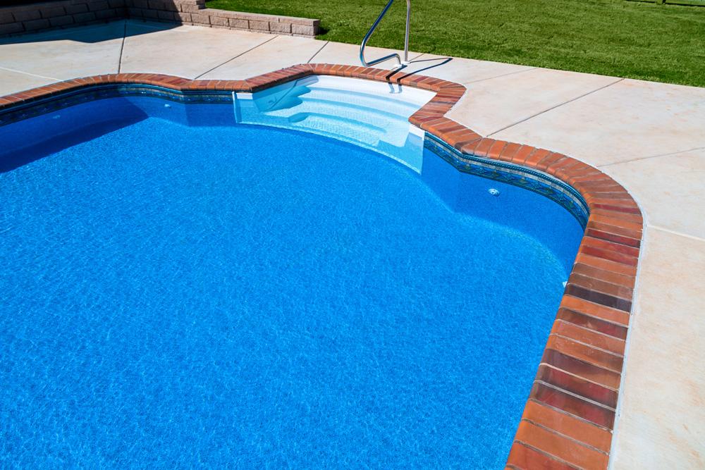 1000x660-tara-pool-liner-cape-cod